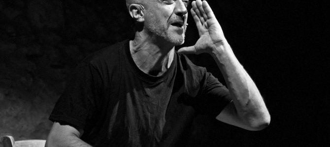 Parole Date di e con Fabrizio Saccomanno Sala Teatro Renata Fonte Via Paisiello  Ruffano, domenica 1 dicembre 2019 ore 20.00